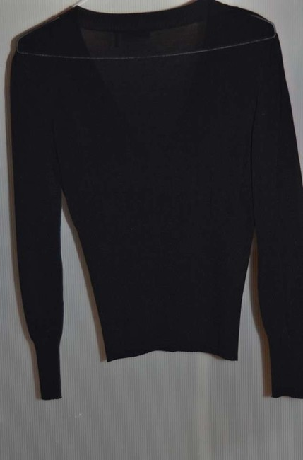 Daisy Fuentes V-neck Lightweight Very Stretchy Nylon And Rayon Blend Sweater