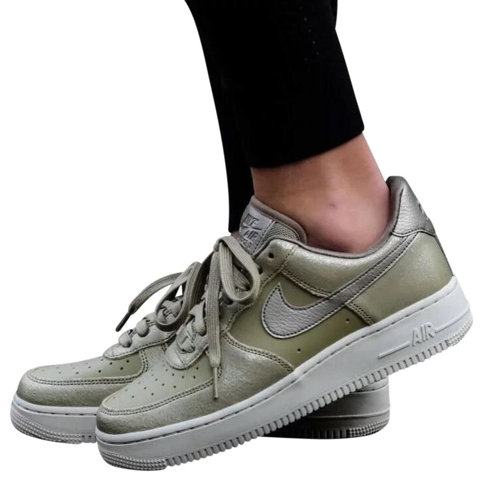 Nike Green Women's Air Force 1 '07 Premium Casual Low Cut Cushioned Collar For A Natural Fit Around The Ankle. Sneakers Size US 9.5 Narrow (Aa, N) 31%