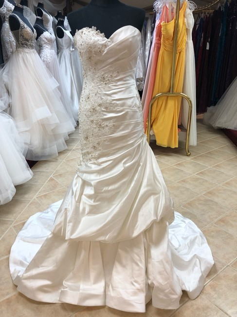 Item - Ivory Silky Satin and Lace Fit Gown Destination Wedding Dress Size 6 (S)