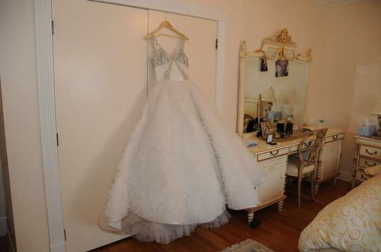 White Organsa Modern Wedding Dress Size 4 (S)