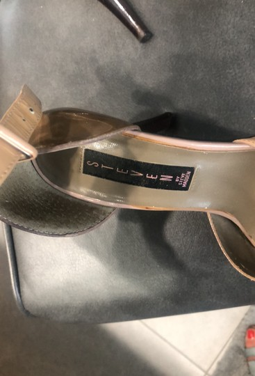 Steve Madden patent tan and brown Sandals Image 6