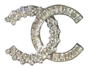 Chanel CHANEL 2018 SMALL CLASSIC BAGUETTE CRYSTALS BROOCH SILVER CC LOGO PIN