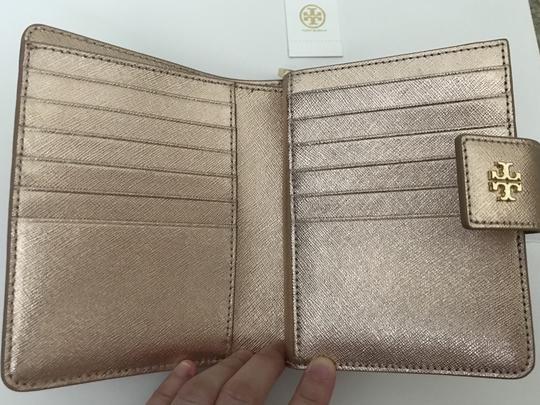 Tory Burch Robinson French Fold Wallet Saffiano Leather Image 5