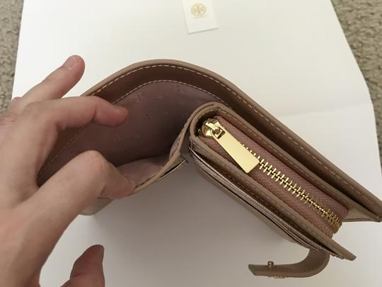 Tory Burch Robinson French Fold Wallet Saffiano Leather Image 6