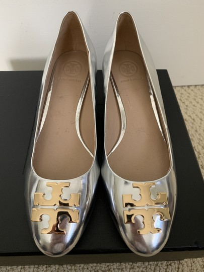 Tory Burch Logo Metallic Gold Silver Pumps Image 1
