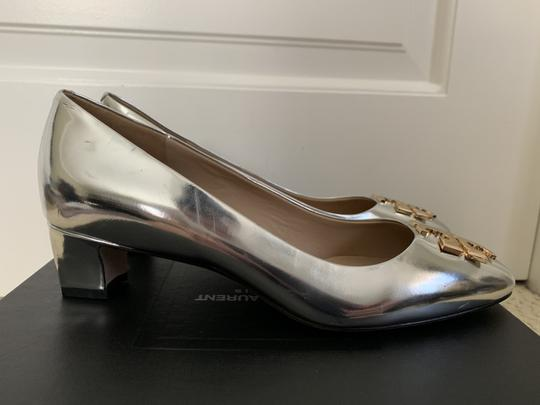 Tory Burch Logo Metallic Gold Silver Pumps Image 6