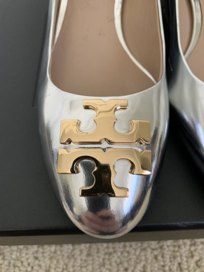 Tory Burch Logo Metallic Gold Silver Pumps Image 9