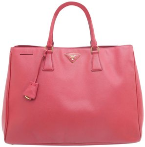 Prada Lux Large Saffiano Tote in RED
