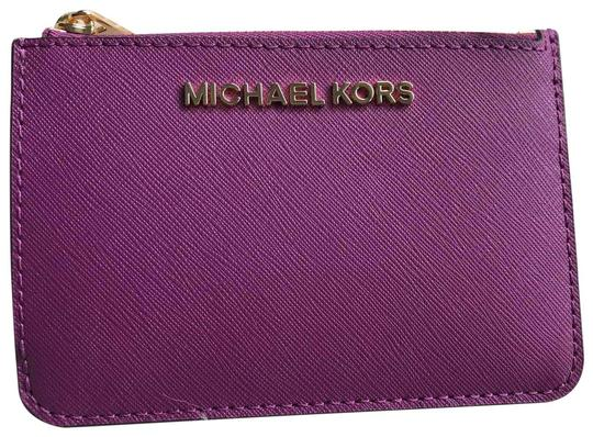 Preload https://img-static.tradesy.com/item/25913224/michael-kors-purple-coin-pouch-with-id-wallet-0-2-540-540.jpg
