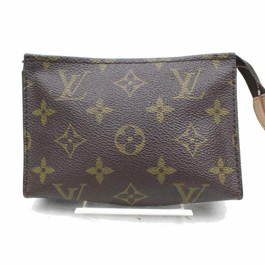 Preload https://img-static.tradesy.com/item/25913588/louis-vuitton-brown-toiletry-pouch-poche-monogram-15-toilette-868430-cosmetic-bag-0-0-540-540.jpg