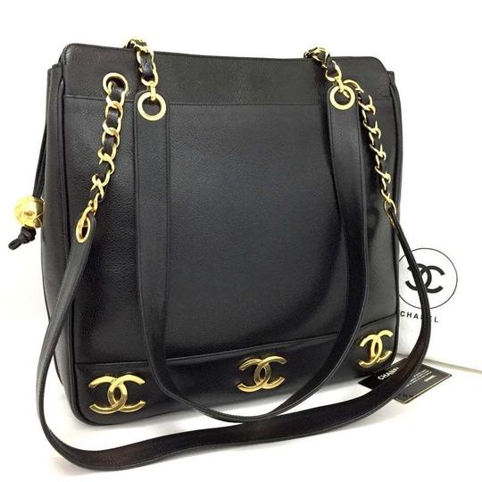 Preload https://img-static.tradesy.com/item/25914360/chanel-shopping-caviar-cc-gold-motifs-excellent-condition-5730-black-leather-tote-0-0-540-540.jpg