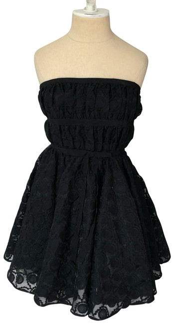 Preload https://img-static.tradesy.com/item/25914555/pearl-by-georgina-chapman-black-circle-lace-cocktail-dress-size-4-s-0-1-650-650.jpg