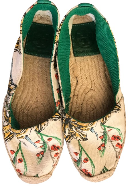 Item - Green Flats Size US 5 Regular (M, B)