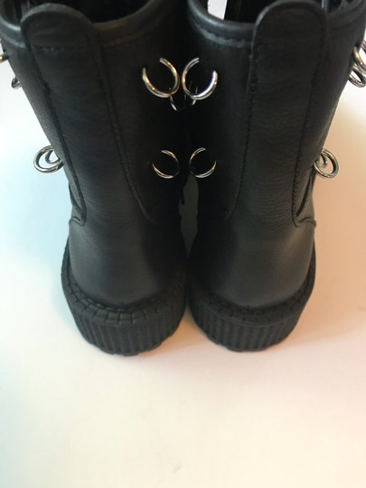 Katy Perry black Boots Image 2