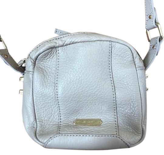 Preload https://img-static.tradesy.com/item/25915207/vince-camuto-beige-genuine-leather-cross-body-bag-0-1-540-540.jpg