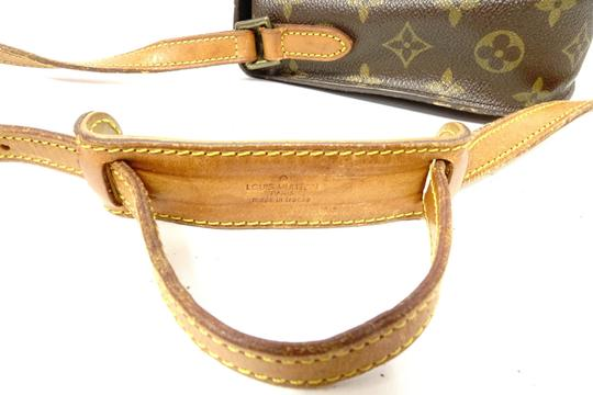 Louis Vuitton Monogram Handbag Vintage Leather Crisscross Strap Cross Body Bag Image 7