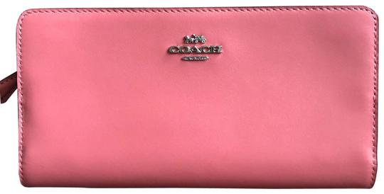 Preload https://img-static.tradesy.com/item/25915300/coach-smooth-skinny-wallet-bright-coralsilver-refined-leather-wristlet-0-1-540-540.jpg