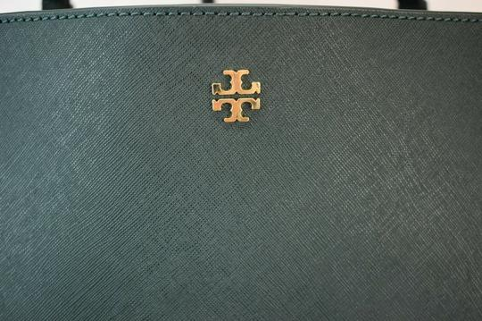 Tory Burch Tote in Green Image 7