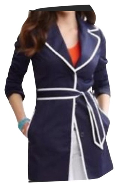 Item - Navy and White Coat Size 4 (S)