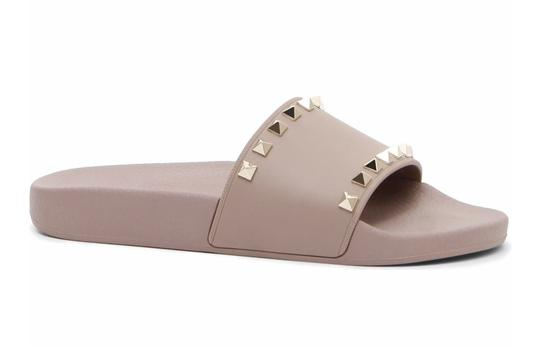 Preload https://img-static.tradesy.com/item/25916284/valentino-poudre-rockstude-rubber-slide-sandals-size-eu-40-approx-us-10-regular-m-b-0-0-540-540.jpg