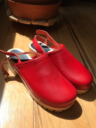 swedish hasbeens Wood Casual Leather Vintage Red Mules Image 1