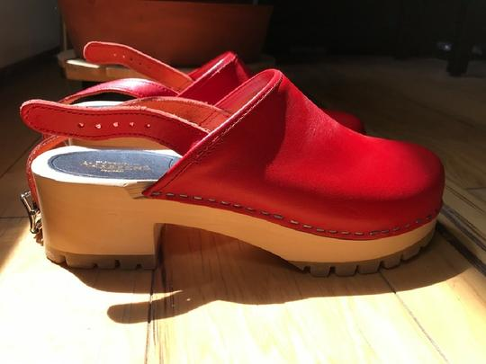 swedish hasbeens Wood Casual Leather Vintage Red Mules Image 3