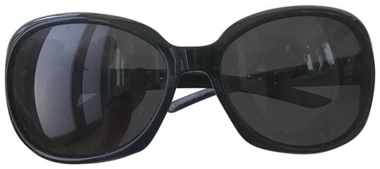 Preload https://img-static.tradesy.com/item/25920466/valentino-blacksilver-sleek-frames-with-accents-sunglasses-0-1-540-540.jpg