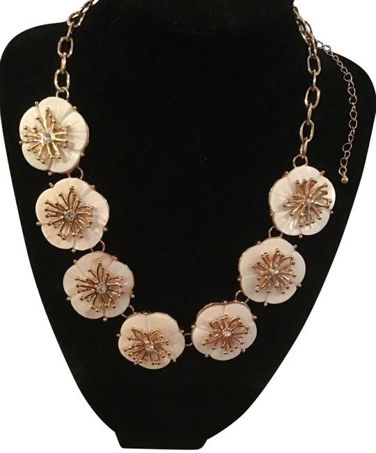 Item - White and Gold Gold/Ivory Color Floral Bib Statement Necklace