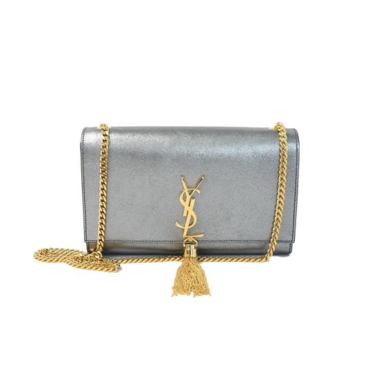 Preload https://img-static.tradesy.com/item/25921308/saint-laurent-kate-wallet-on-chain-flap-monogram-gold-hardware-metallic-silver-calfskin-leather-cros-0-0-540-540.jpg
