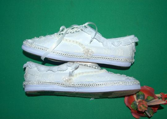 City Sneakers Fashion Bling Embroidered Boho White Athletic Image 2