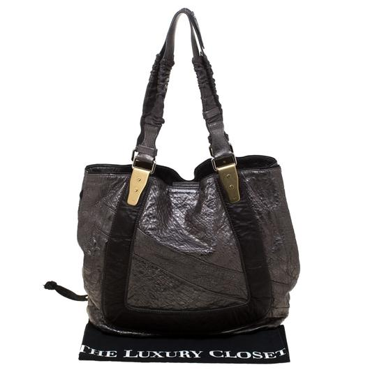 Chloe Leather Fabric Pebbled Tote in Grey Image 11