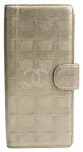 Chanel Chanel New Travel Line Travel Case Women's Coated Canvas Bill Wallet (bi-fold) Gold
