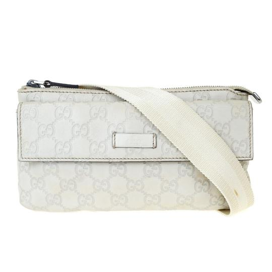 Preload https://img-static.tradesy.com/item/25922678/gucci-off-white-bum-gg-sima-leather-silver-plated-italy-cosmetic-bag-0-0-540-540.jpg