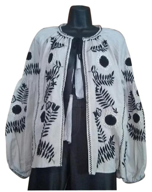 Item - Tan and Black Kimono Festival Blazer Size 6 (S)