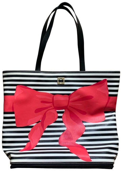 Item - Sonora Poplar Court Beach Pink Black & White Coated Canvas Tote