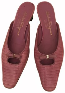 Salvatore Ferragamo Pink Pumps