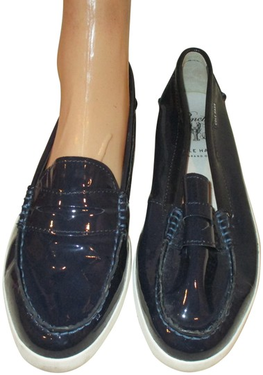 Preload https://img-static.tradesy.com/item/25925670/cole-haan-navy-blue-grand-os-classic-pinch-leather-loafers-women-flats-size-us-10-regular-m-b-0-2-540-540.jpg