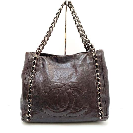 Chanel Tote in Brown Image 3