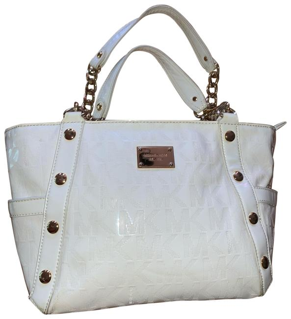 Item - Bag Ivory Patent Leather Tote