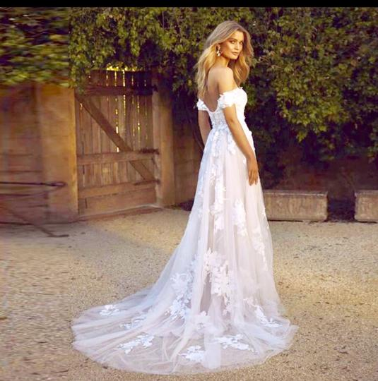 White Or Ivory Lace Off The Shoulder 2-24w Standard/Plus Formal Wedding Dress Size OS (one size) Image 1