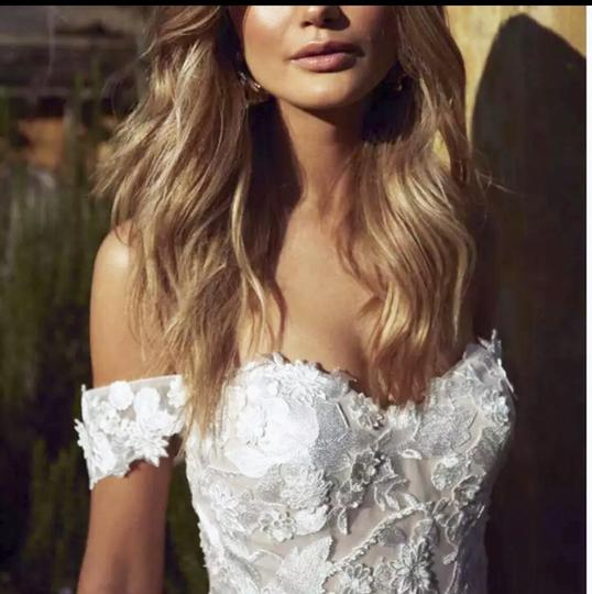 White Or Ivory Lace Off The Shoulder 2-24w Standard/Plus Formal Wedding Dress Size OS (one size) Image 2
