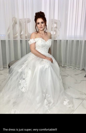 White Or Ivory Lace Off The Shoulder 2-24w Standard/Plus Formal Wedding Dress Size OS (one size) Image 3