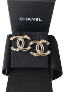 Chanel CHANEL CLASSIC GOLD BIG CC LOGO CRYSTALS PEARLS STUDS EARRINGS