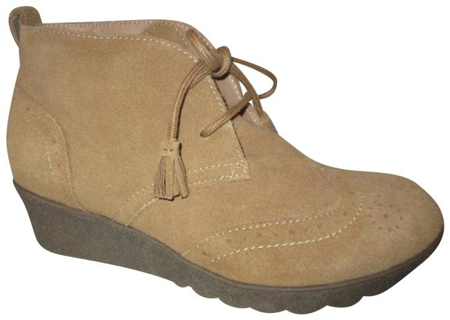 Item - Tan Wingtip Suede Wedge Ankle Boots/Booties Size US 7 Regular (M, B)