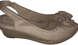 Naturalizer Wide Natural Wedges