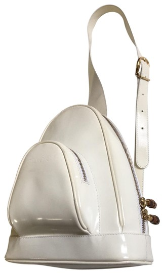 Preload https://img-static.tradesy.com/item/25930455/gucci-offwhite-patent-leather-backpack-0-2-540-540.jpg