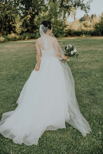 BHLDN White Long Triolet Cathedral Bridal Veil Image 0