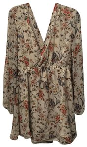cupcakes and cashmere short dress ivory floral on Tradesy