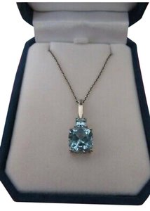 ICE BEAUTIFUL BLUE TOPAZ NECKLACE