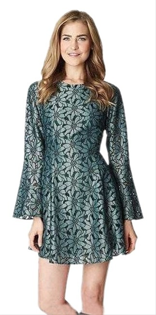 Preload https://img-static.tradesy.com/item/25932183/cece-by-cynthia-steffe-pine-grove-bell-sleeve-lace-short-cocktail-dress-size-10-m-0-1-650-650.jpg